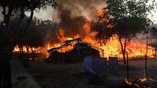 मथुरा के जवाहर बाग़ में उपद्रवियों की ओर से झोपड़ियों में लगाई गई आग.