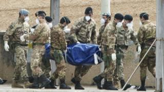 """حادثة غرق 359 مهاجرا قبالة لامبيدوسا اعتبرت """"مأساة"""" مؤلمة داخل إيطاليا وخارجها"""