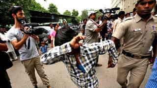Задержание подозреваемого в изнасиловании в Индии