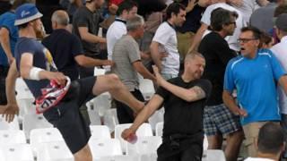 После матча на трибунах завязалась потасовка, зачинщиками которой очевидцы называют российских болельщиков