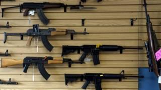 Оружие в магазине в Колорадо, США