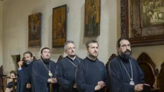 Священнослужители на Крите