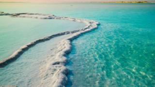 Иссыхающее Мертвое море: низшая точка Земли становится все ниже