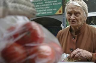 Потребители в российских магазинах