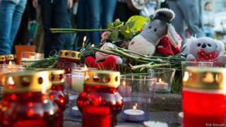 свечи и игрушки, акция памяти