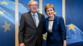نيكولا ستورجن كشفت عن وجود لقاءات تشاورية مع مسؤولي الاتحاد الأوروبي في الأيام الماضية