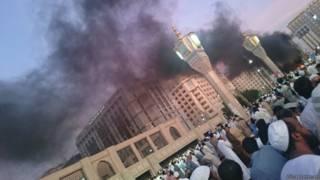 मदीना में मस्जिद के पास का नज़ारा