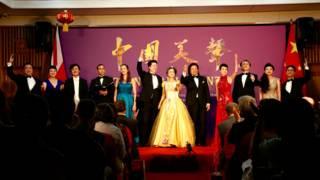 """全体演员一道演绎""""中国美声""""音乐会的最后一曲"""
