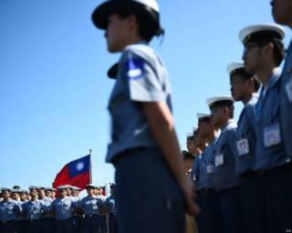 台灣總統蔡英文星期三(7月13日)前往高雄的左營軍區視察,並對官兵發表重要談話。