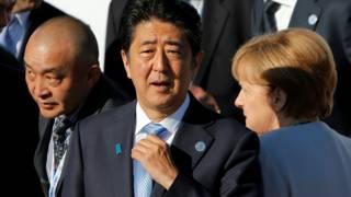 在乌兰巴托出席亚欧峰会的日本首相安倍晋三。