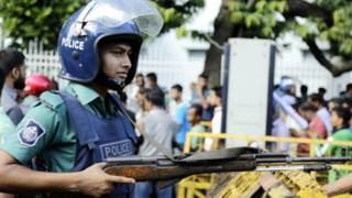 شرطي من داكا