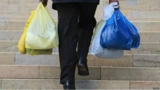 英國收費「打擊塑料袋」成果顯著