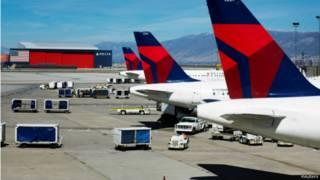 طائرات شركة دلتا رابضة في مطارات العالم منذ الساعة 6.30 بتوقيت غرينيتش بسبب عطل كهربائي