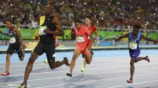 北京時間8月20日,博爾特率牙買加隊奪得里約奧運4×100米項目金牌,日本奪得銀牌,中國隊名列第四。美國隊因犯規被取消成績。
