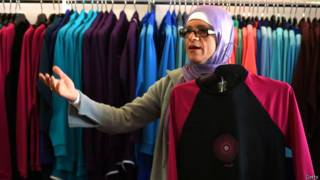布基尼設計師扎內蒂在悉尼西部的泳裝店。