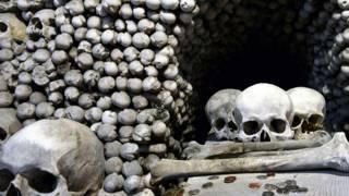 Церква на кістках
