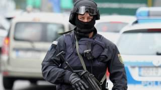 المدعي العام الألماني: الموقوفون على علاقة بتنظيم ما يعرف بالدولة الإسلامية وينتظرون أوامر لتنفيذ هجمات