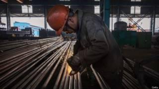 今年早些时候,中国大量出口钢材导致中美之间发生贸易纠纷。