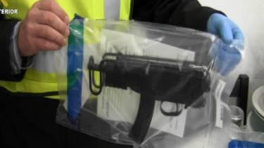 En Madrid existen 350 integrantes de bandas de este tipo. En la imagen, armamento requisado por las fuerzas de seguridad españolas.