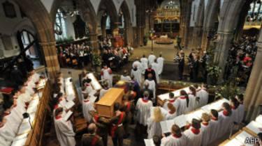 El entierro de Ricardo III ha tenido casi honores de Estado.