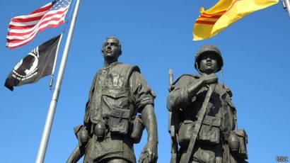 Những tượng đài lịch sử VN ở California - BBC News Tiếng Việt