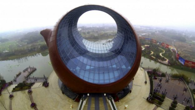 En fotos la extraa arquitectura que prohibi el gobierno de