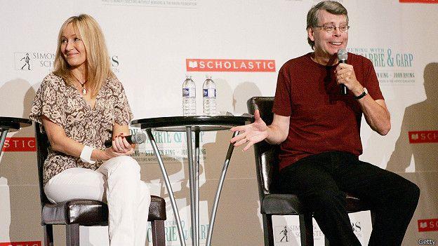 Джоан Роулинг и Стивен Кинг на пресс-конференции