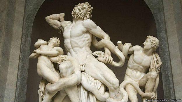 Эротические скульптуры человека из дерева с фалосом фото 360-594