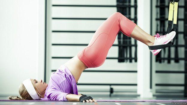 Es mejor el ejercicio con peso corporal o con pesas  - BBC News Mundo d7afb55a9b60