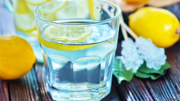tomar jugo que tomar agua