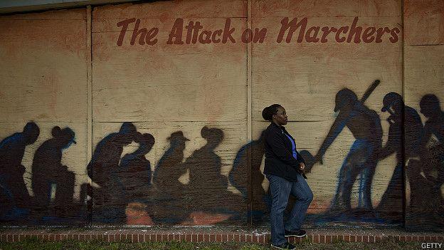 Mural sobre las marchas de Selma y una mujer al frente