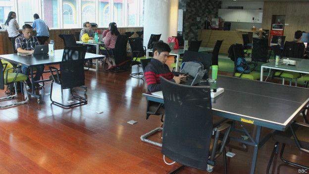 Menyewa ruang kantor bersama di Jakarta