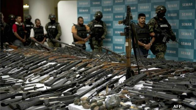 https://ichef.bbci.co.uk/news/ws/624/amz/worldservice/live/assets/images/2015/05/05/150505230203_armas_mexico_narcotrafico_zetas_credit_624x351.jpg
