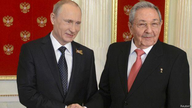 Vladimir Putin y Raúl Castro