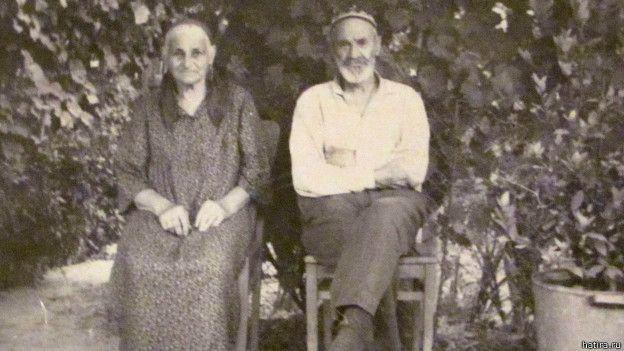 Осман Ибриш с женой Алиме. Поселение Кибрай, Узбекистан, 1971