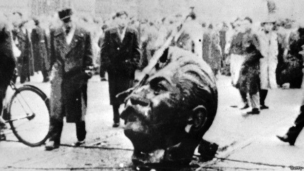 Una estatua derribada de Stalin en Hungría