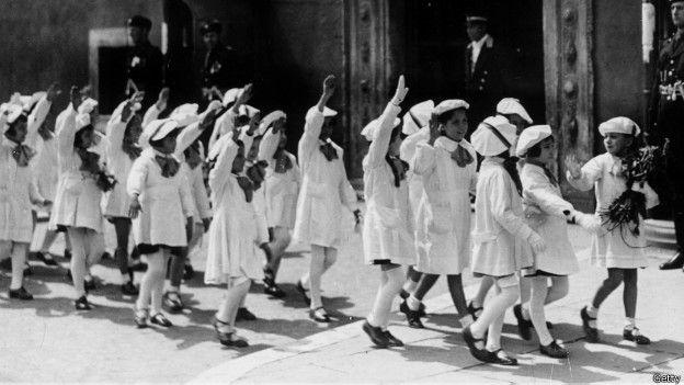 Niños en la Italia fascista