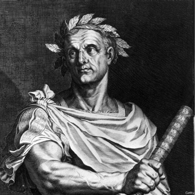Una estatua de Julio César