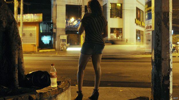 fundado por prostitutas por que los hombres van con prostitutas