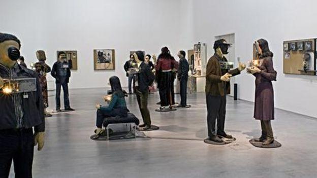 爱德华•金霍尔茨和南希•雷丁•金霍尔茨(Nancy Reddin Kienholz),《艺术展》,1963-1977年,柏林画廊,版权归南希•雷丁•金霍尔茨所有(图片来源:Kai-Annett Becker)