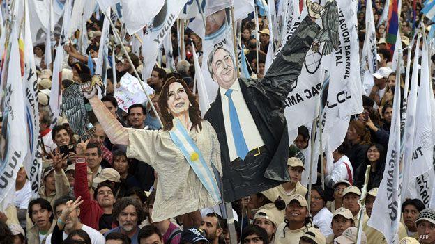 Recortes de Néstor y Cristina Kirchner.