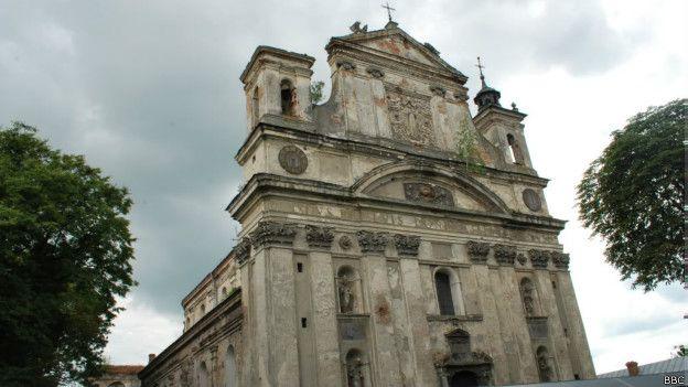 Костел початку XVII століття в Олиці Волинської області