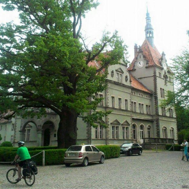 Палац Шенборнів біля Мукачевого - повністю збережений комплекс