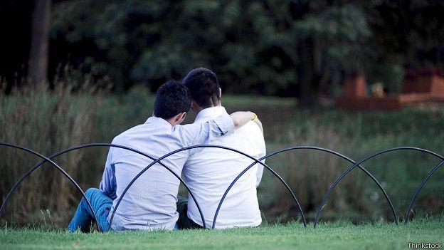 Salir con mujeres conocer gays solteros