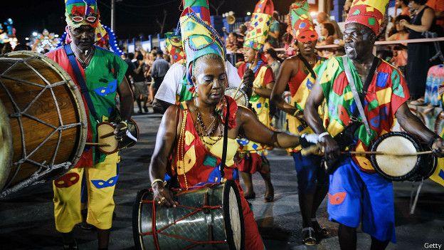 Desfile en Santiago de Cuba