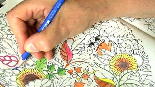 La moda de desestresarse con libros de colorear para adultos - BBC ...
