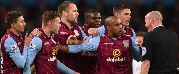 Aston Villa, protesta