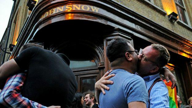 gay irlanda reunión de lesbianas online