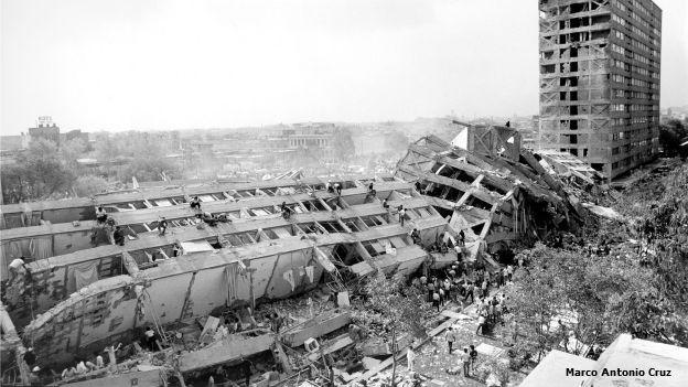 Edificio Nuevo León en Tlatelolco, destrozado por el sismo de 1985.