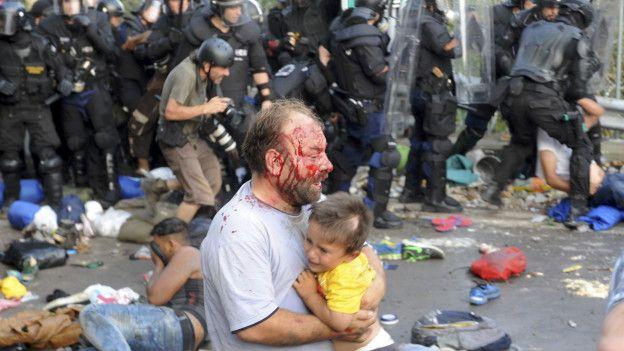 Картинки по запросу мигранты в европе